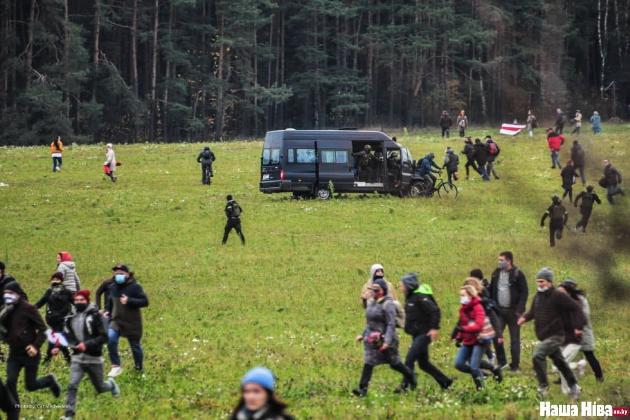 Підсумки «Маршу проти терору» в Мінську: силовики затримали більше 300 людей та стріляли по учасниках ходи