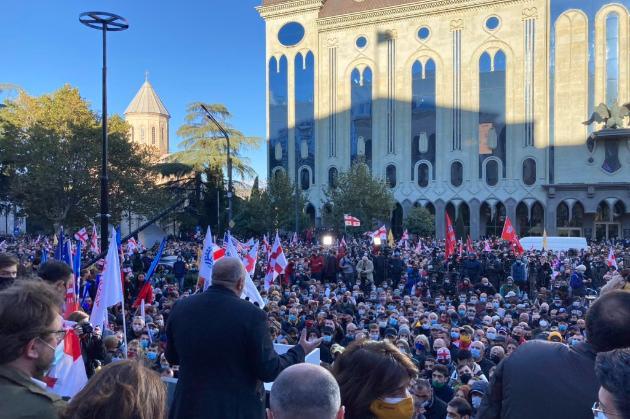 Біля парламенту Грузії опозиція зібрала акцію протесту