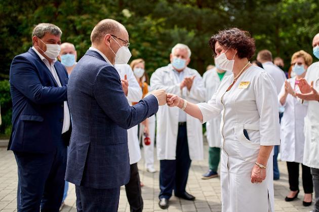 Нардеп дорікнув міністру охорони здоров'я, що той пішов на лікарняний після чуток про його відставку