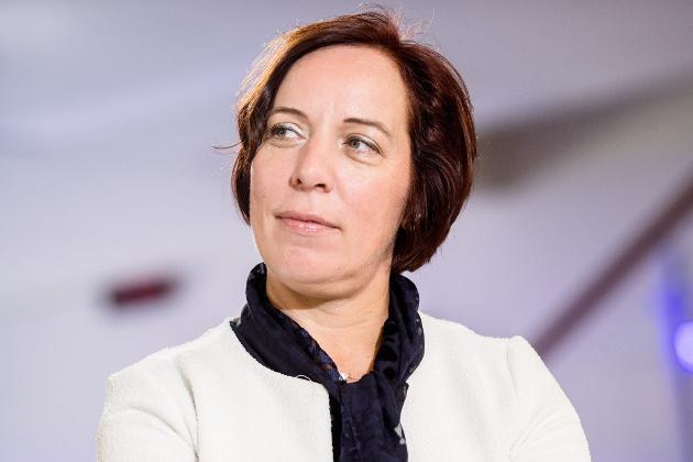 Президент Естонії звільнила міністра освіти. Вона возила дітей на службовому авто