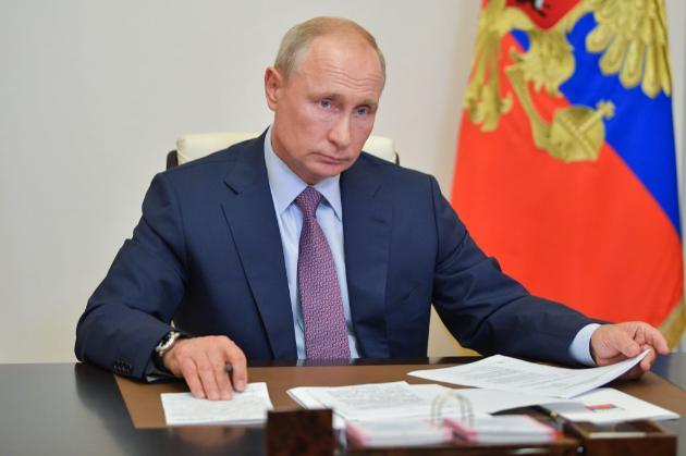 Продуктове ембарго. Путін продовжив контрсанкції проти України та низки країн
