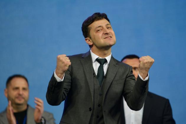 Зеленський оголосив флешмоб про Україну. Він пообіцяв зустрітися з десятьма переможцями