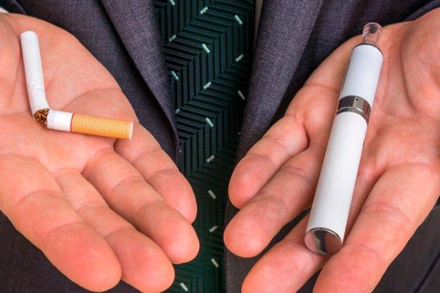 «Вейперам» доведеться платити більше. Акцизний податок на стіки з тютюном для нагрівання збільшується в 4,2 рази