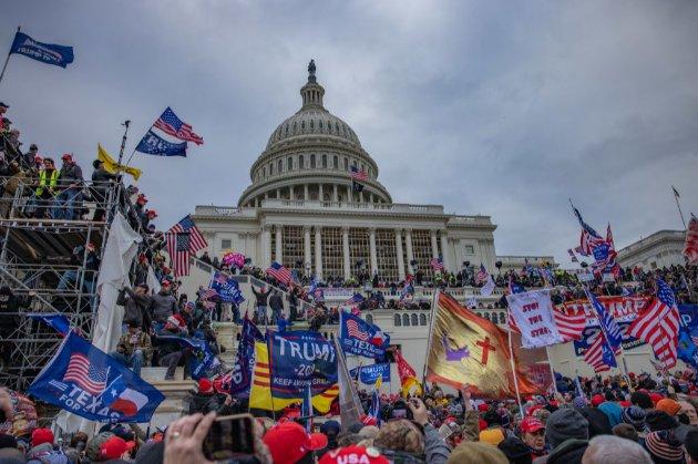У США високопосадовці звільняються через штурм Капітолія