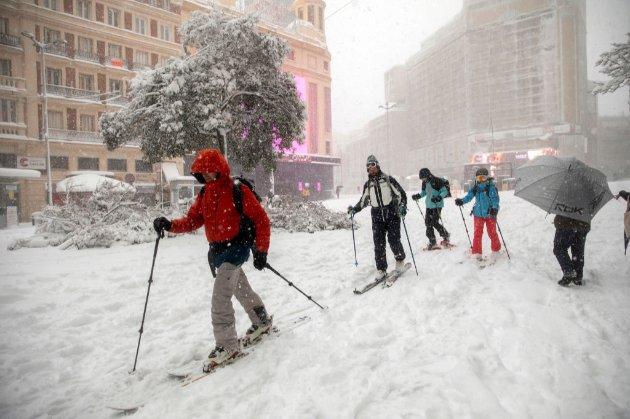 Іспанія потерпає від найсильнішого снігопаду за останні 50 років. Є загиблі