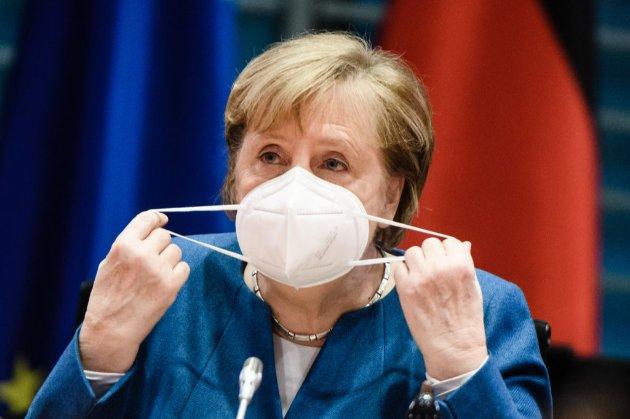 Меркель заявила, що найближчі тижні «будуть найскладнішими за час пандемії»