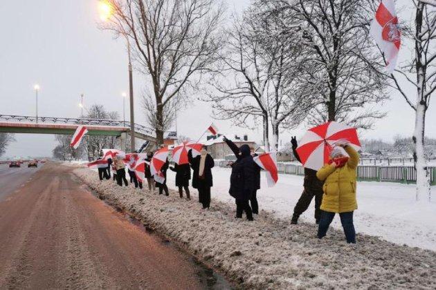 У містах Білорусі — недільні «дворові» акції протесту, є затримані