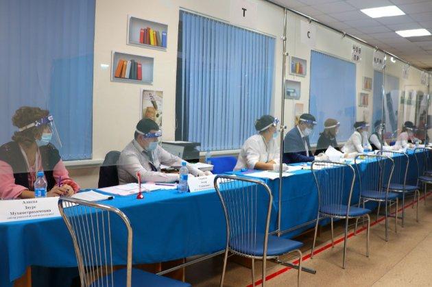 У Казахстані відбулися протести з закликом бойкотувати парламентські вибори. Десятки затриманих