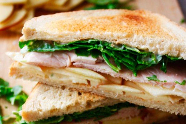 Brexit, привіт! Нідерландські митники відібрали бутерброди у водіїв з Британії