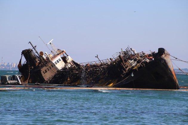 Україна хоче відсудити затонулий танкер Delfi