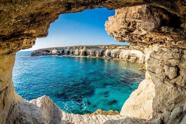 Гайда на Кіпр! Острів відкриє кордони для українців з 1 березня