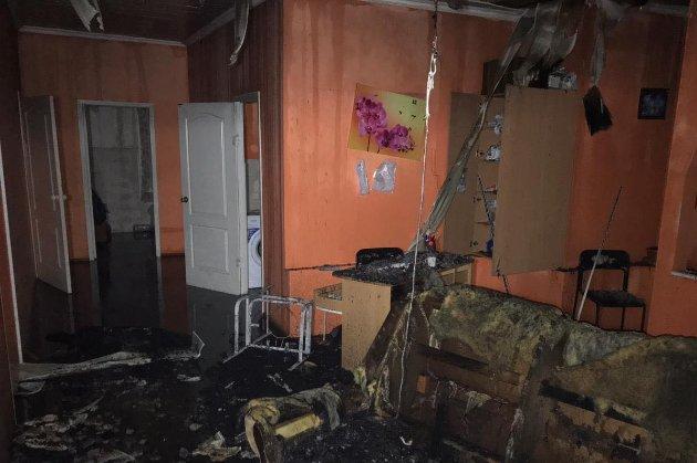 Пожежа в будинку для літніх у Харкові. Орендаря і керівницю арештували на 60 діб