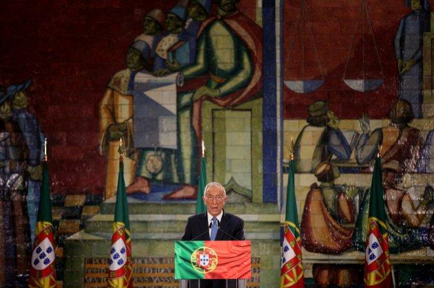У Португалії на виборах переміг чинний президент країни Марселу Ребелу де Соза