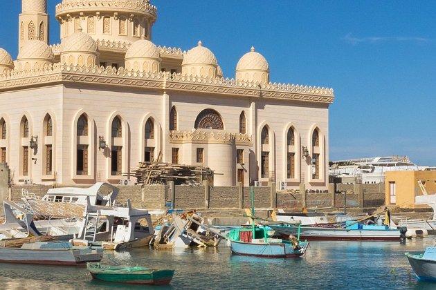Єгипет зваблює туристів новою швидкісною залізницею від Червоного до Середземного моря