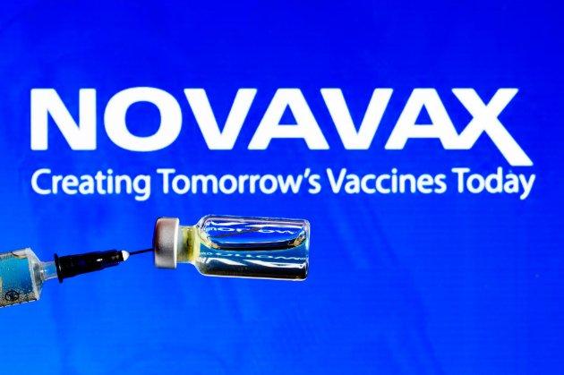 Вакцина проти COVID-19 фірми Novavax готова до використання. Вона ефективна на 90%, але менш дієва проти штаму з ПАР
