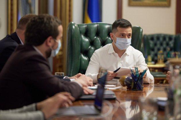 Зеленський обговорив з керівниками ICTV, «Інтеру», «1+1» та «України» рішення РНБО стосовно ЗМІ з «пулу Медведчука»