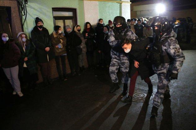 «Росія без Путіна!». У РФ більше 1200 затриманих на мітингах проти ув'язнення Навального
