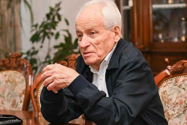 На 102-му році життя помер батько братів Суркісів