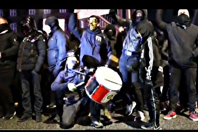 В Копенгагені «люди в чорному» протестували проти карантину і «паспортів вакцинації»