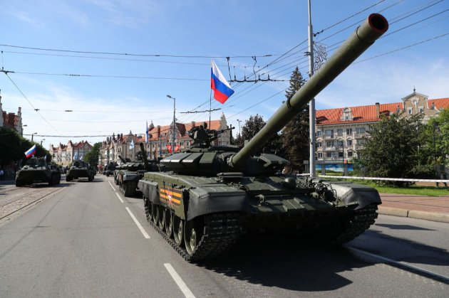Представник Путіна назвав Україну «русским миром», а Кулеба у відповідь нагадав про російські танки