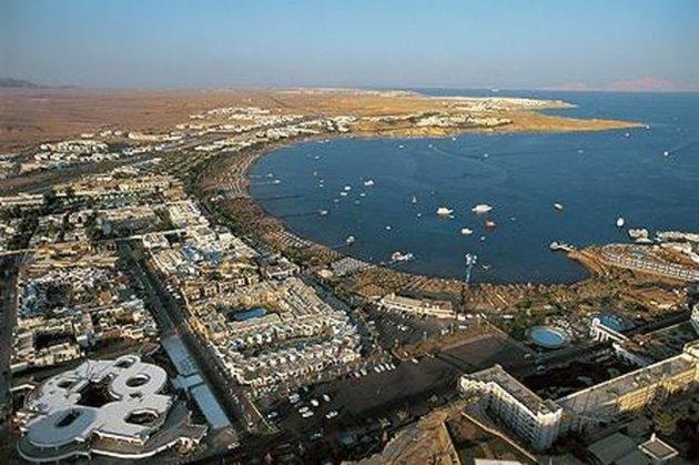 Єгипетський курорт Шарм-еш-Шейх огородили бетонним парканом