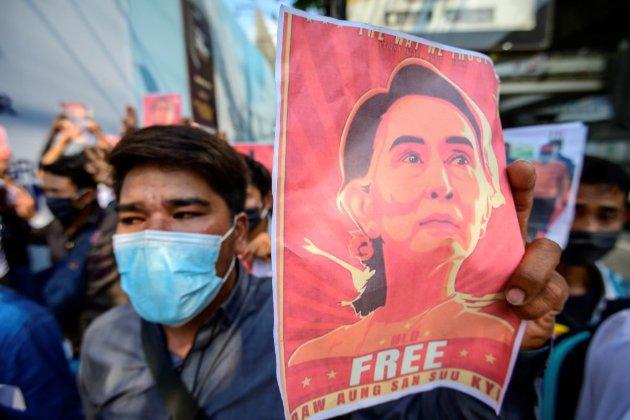 Байден запровадив санкції проти військових, які захопили владу у М'янмі