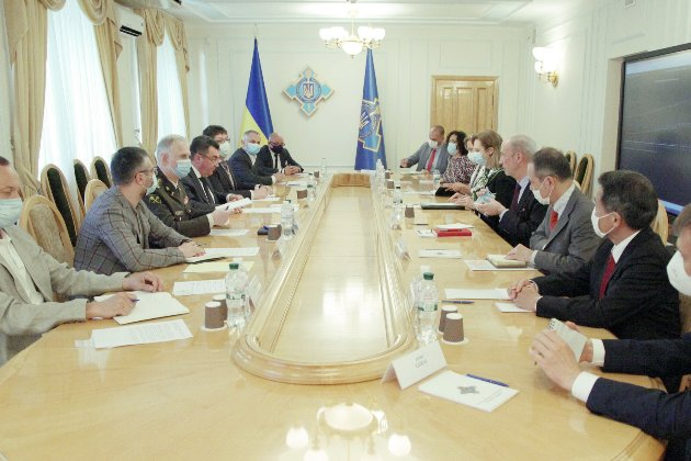 Зеленський готує засідання РНБО на Банковій 19 лютого. Частина його буде закритою