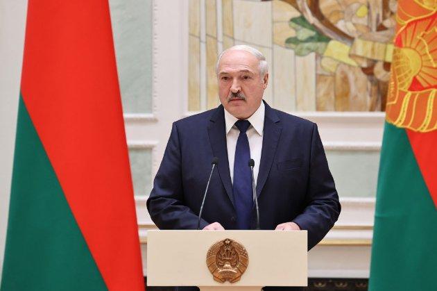 Сім резиденцій та елітний автопарк. У ЗМІ розповіли, як живе Лукашенко