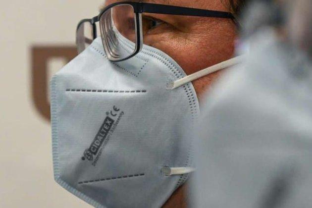 У Франції стартап створив першу маску, яка вбиває COVID-19