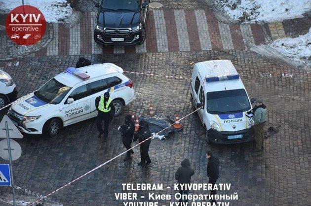Зробив зауваження водію й загинув. У Києві водій вбив пішохода на очах у перехожих і втік