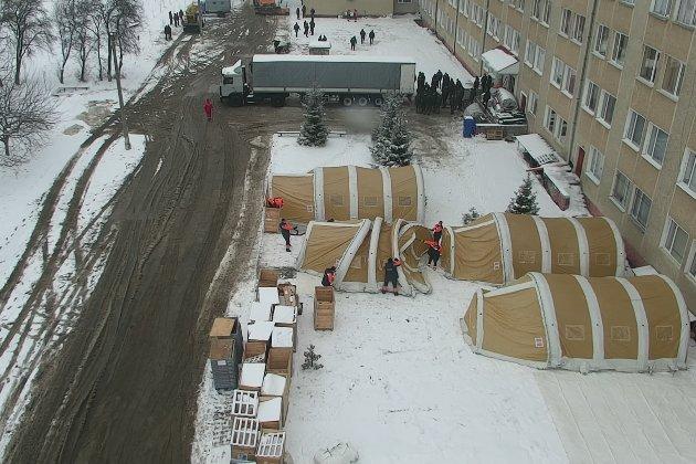 Перший в Україні мобільний шпиталь для хворих на COVID-19 привезли на Прикарпаття