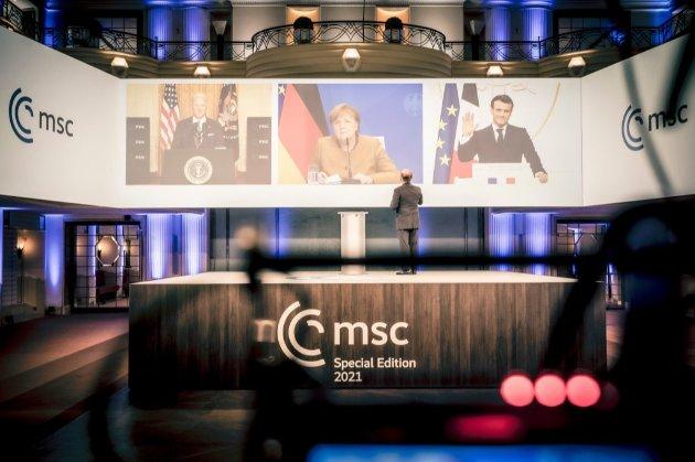 Меркель заявила, що мінський процес не був успішним