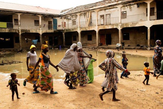 У Нігерії після нападу бойовиків зникли безвісти понад 300 школярок