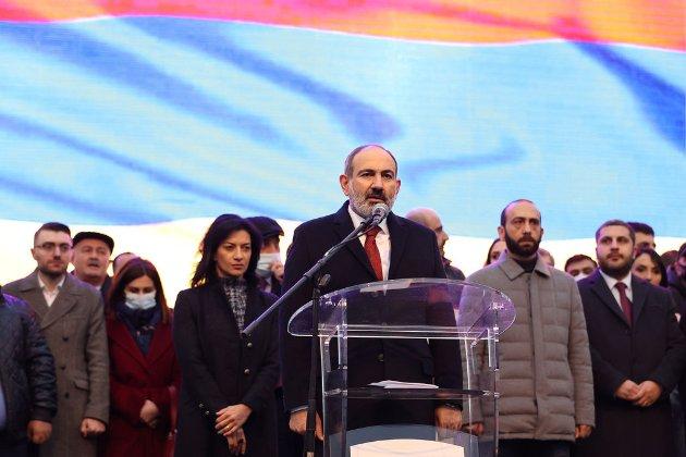 Прем'єр-міністр Вірменії пообіцяв повернути країни до напівпрезидентської форми правління