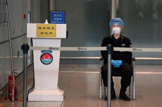 Зайшли з іншого боку. Японія попросила Китай припинити робити її громадянам анальні тести на COVID-19