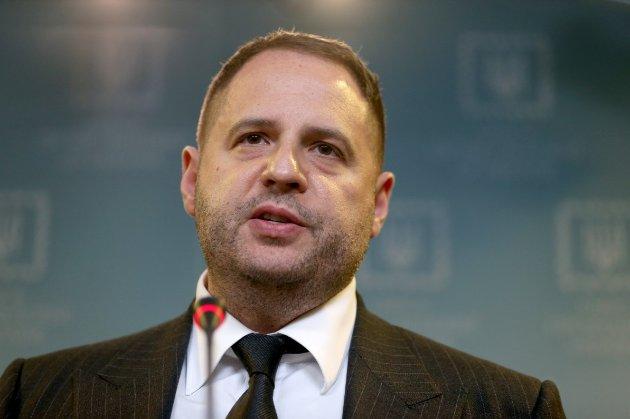 Єрмак звинуватив Росію в блокуванні мирних переговорів по Донбасу