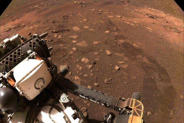 Perseverance почав рух поверхнею Марса. За два роки ровер проїде 15 км