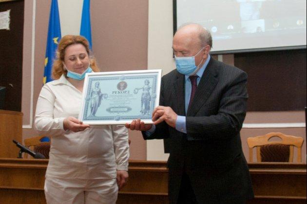 Ректор дніпровського університету став рекордсменом України
