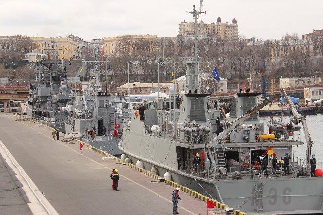 Чотири кораблі НАТО зайшли в Одеський порт