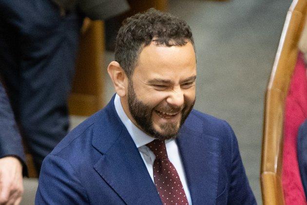 Осередок «Слуги народу» звільнив Дубінського із керівних посад партії. Він це заперечує
