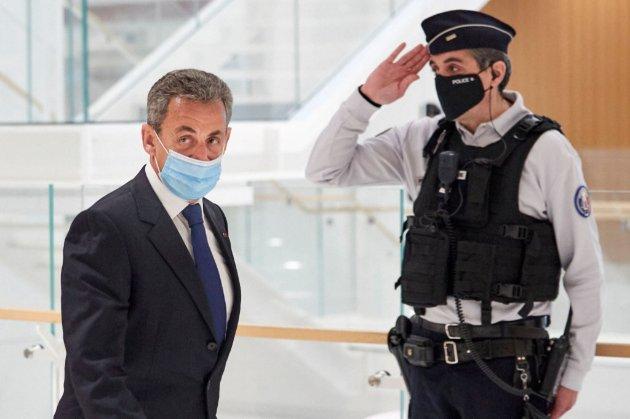 Двічі судимий президент. Це про Саркозі — французького політика судитимуть вдруге за розтрату коштів на виборчу кампанію