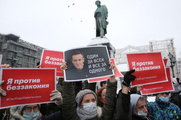 Світові зірки вимагають від російської влади звільнити учасницю Pussy Riot та її подругу