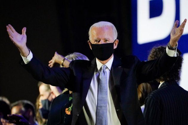 Посольство США запевняє, що Байден обов'язково зателефонує Зеленському «без жодних передумов»