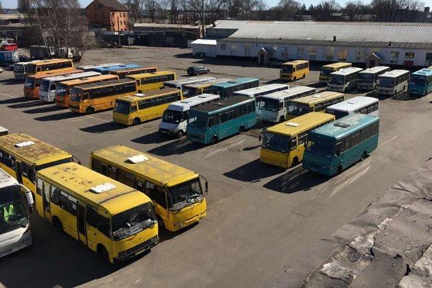 Не витримують «червоний» карантин. Маршрутники Києва просять владу їх закрити