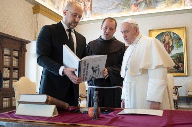 Прем'єр-міністр Шмигаль зустрівся з Папою Римським Франциском