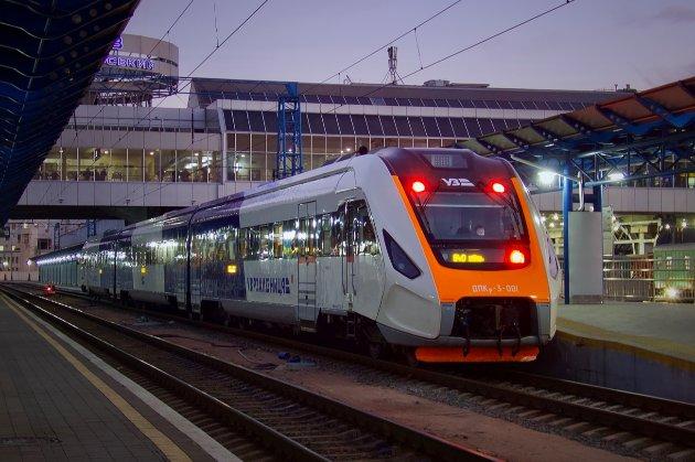 У чотирьох областях України все ще обмежують висадку-посадку на поїзди та продаж квитків