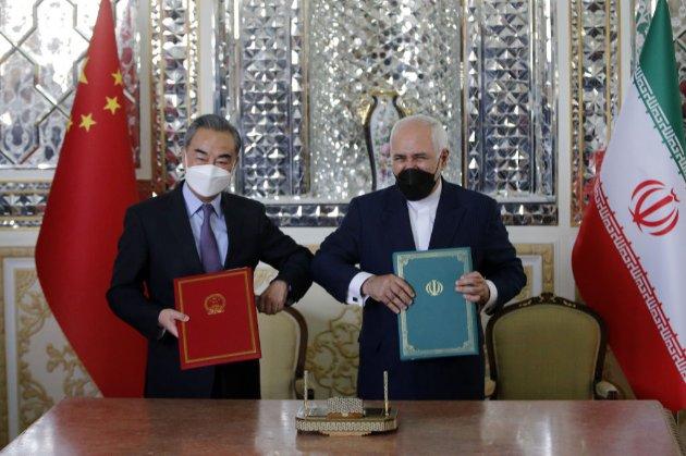 Китай та Іран уклали угоду на чверть століття