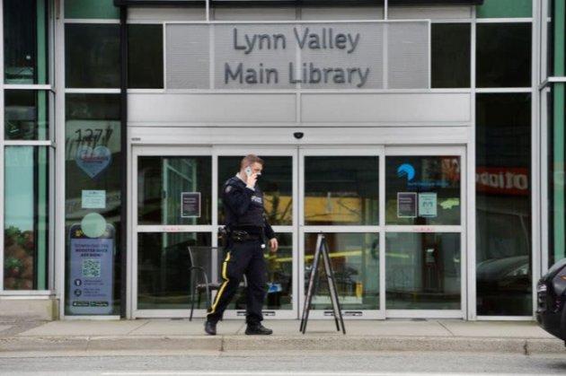 У Канаді чоловік з ножем напав на відвідувачів бібліотеки
