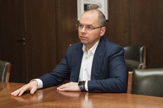 Степанов із дружиною задекларували чотири авто і дві шуби. Та жодної коштовної куртки