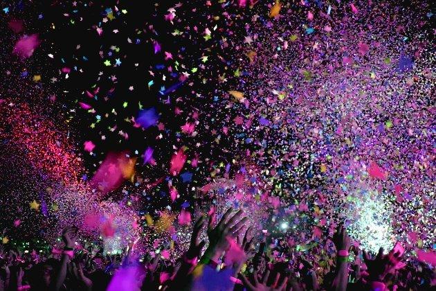 У Греції студентка отримала умовний термін за вечірку під час локдауну